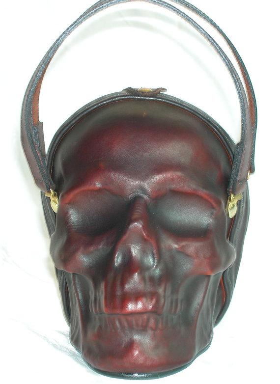 Pochette en cuir avec tête de mort 1